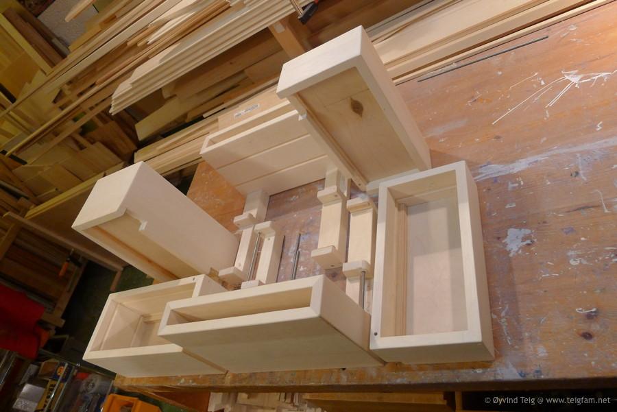 Chest of swingable drawers - 7