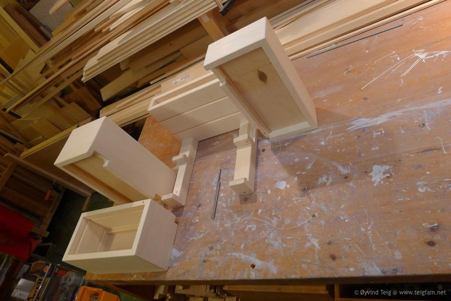 Chest of swingable drawers - 9