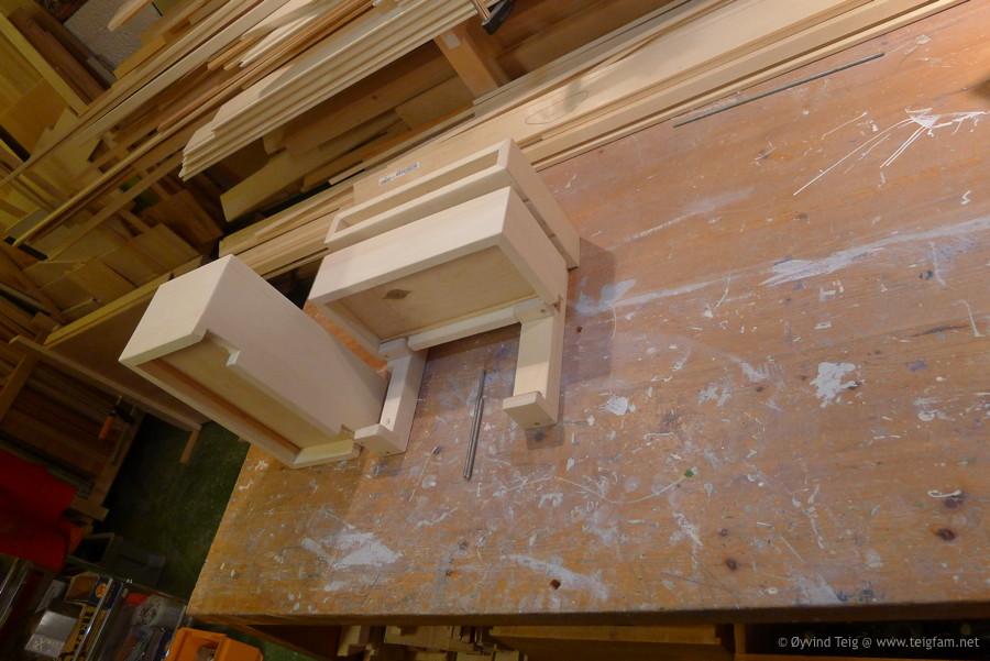 Chest of swingable drawers - 11