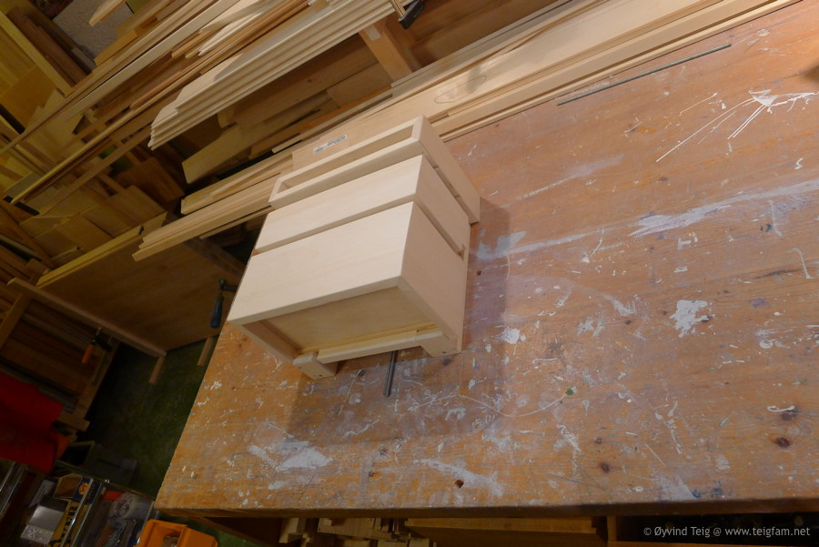 Chest of swingable drawers - 12