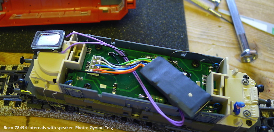 085_fig2_roco_78494_internals_with_speaker_x900_