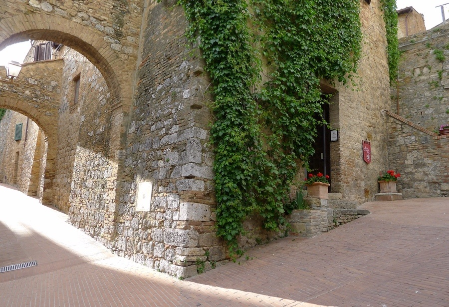 San Gimignano 1300, new location in May 2014