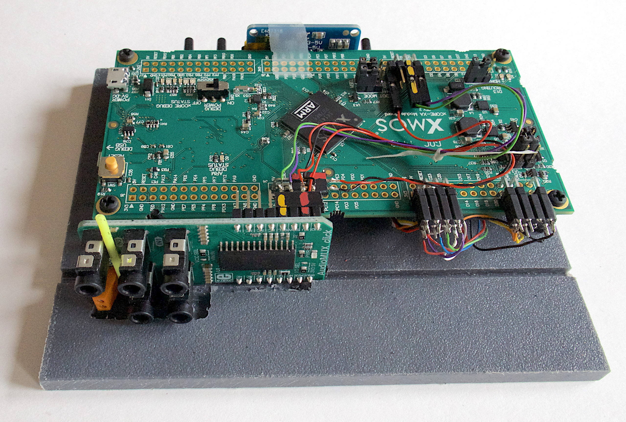 Fig.2 - XMOS' obsoleted xCORE-XA Core Module plus an MikroElektronika AudioMux board with TDA7468